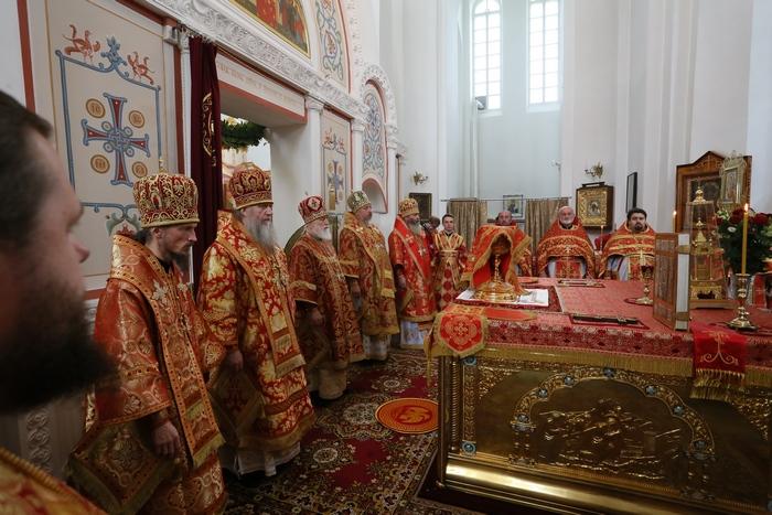 26-Поздняя Божественная литургия.JPG